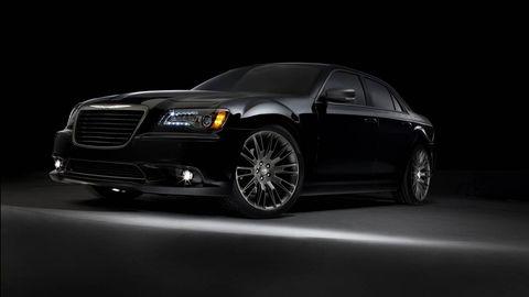Tire, Automotive design, Automotive tire, Vehicle, Automotive lighting, Headlamp, Land vehicle, Hood, Rim, Transport,
