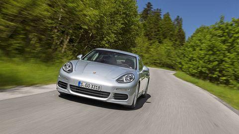 Automotive design, Road, Vehicle, Car, Automotive lighting, Performance car, Rim, Bumper, Sports car, Headlamp,