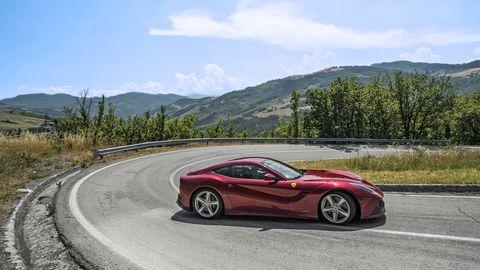 Ferrari F12 Vs Lamborghini Aventador Comparison Test
