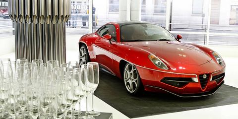 Mode of transport, Automotive design, Vehicle, Land vehicle, Automotive mirror, Transport, Glass, Car, Automotive parking light, Performance car,
