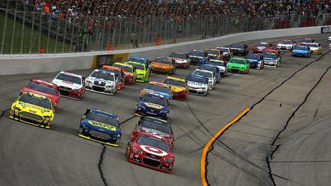 Automotive design, Vehicle, Race track, Sports car racing, Land vehicle, Motorsport, Touring car racing, Automotive parking light, Car, Sport venue,