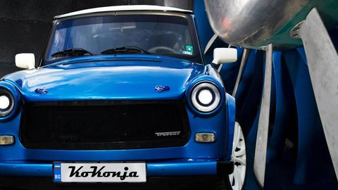 Motor vehicle, Automotive design, Blue, Vehicle, Automotive exterior, Automotive lighting, Hood, Car, Grille, Headlamp,