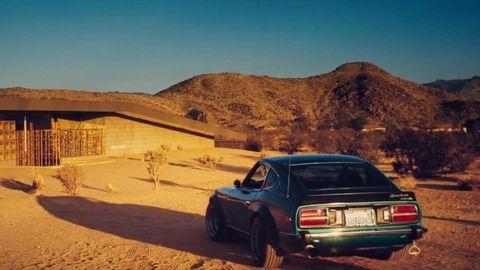 Vehicle, Automotive exterior, Vehicle registration plate, Landscape, Automotive parking light, Car, Automotive lighting, Classic car, Hill, Terrain,