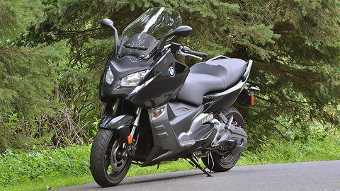 Motor vehicle, Mode of transport, Automotive design, Automotive tire, Automotive lighting, Glass, Rim, Motorcycle, Fender, Automotive wheel system,