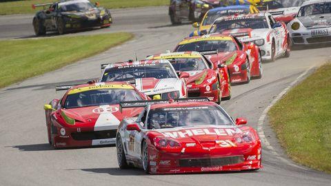 Tire, Wheel, Automotive design, Land vehicle, Vehicle, Sports car racing, Motorsport, Car, Race track, Touring car racing,
