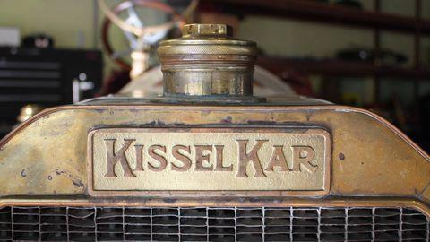 Motor vehicle, Automotive design, Transport, Automotive exterior, Grille, Classic, Classic car, Mesh, Logo, Gas,