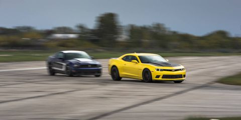 Tire, Wheel, Automotive design, Vehicle, Road, Land vehicle, Rim, Car, Automotive tire, Alloy wheel,