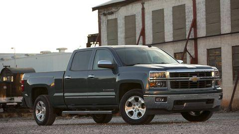 Tire, Motor vehicle, Wheel, Automotive tire, Vehicle, Land vehicle, Window, Automotive parking light, Automotive design, Rim,
