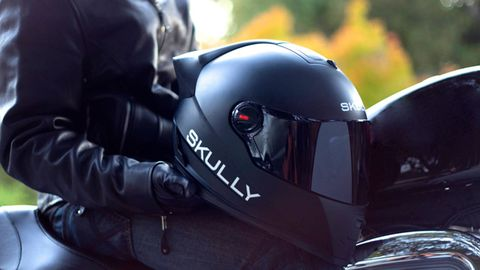 Motorcycle helmet, Personal protective equipment, Motorcycle accessories, Helmet, Windshield, Leather, Motorcycle, Rear-view mirror, Automotive mirror, Leather jacket,
