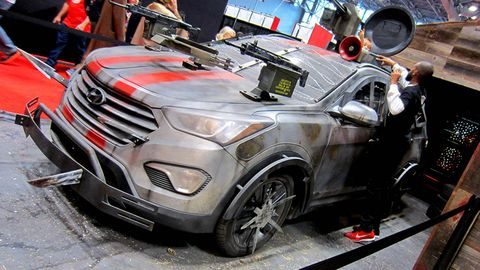 Motor vehicle, Automotive design, Vehicle, Grille, Car, Automotive exterior, Fender, Automotive wheel system, Alloy wheel, Bumper,