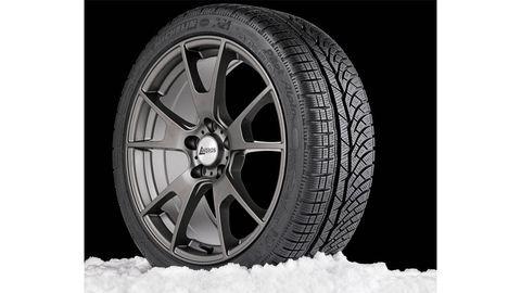 Tire, Wheel, Automotive tire, Rim, Automotive wheel system, Alloy wheel, Spoke, Automotive exterior, Synthetic rubber, Tread,
