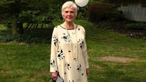Sleeve, Jewellery, Balloon, Street fashion, Necklace, Spring, Garden, Yard, Day dress, Pattern,