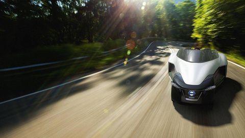 Automotive design, Road, Automotive exterior, Asphalt, Road surface, Automotive lighting, Glass, Fender, Light, Sunlight,