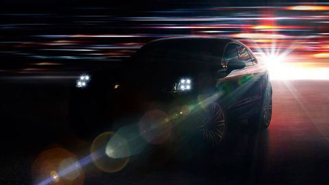 Motor vehicle, Automotive design, Automotive lighting, Automotive exterior, Automotive tire, Car, Automotive mirror, Fender, Headlamp, Rim,