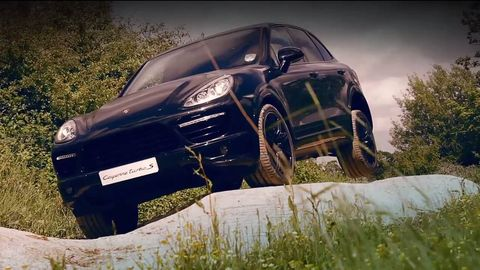 Tire, Motor vehicle, Wheel, Automotive design, Vehicle, Land vehicle, Automotive exterior, Hood, Car, Fender,