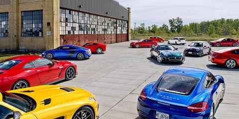 Tire, Automotive design, Land vehicle, Vehicle, Automotive parking light, Car, Performance car, Vehicle registration plate, Sports car, Rim,