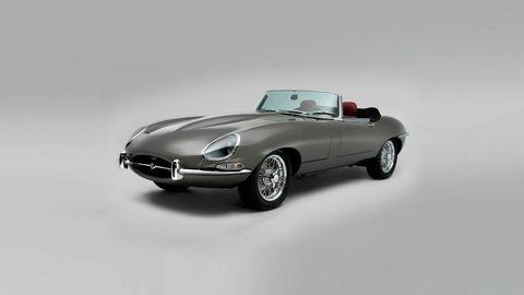 Automotive design, Fender, Automotive lighting, Roadster, Classic car, Automotive wheel system, Auto part, Alloy wheel, Personal luxury car, Sports car,