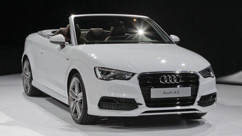 Tire, Wheel, Automotive design, Vehicle, Land vehicle, Grille, Headlamp, Car, Audi, Automotive lighting,
