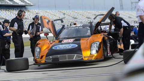 Automotive design, Vehicle, Performance car, Car, Motorsport, Hood, Sports car racing, Sports car, Automotive tire, Race car,
