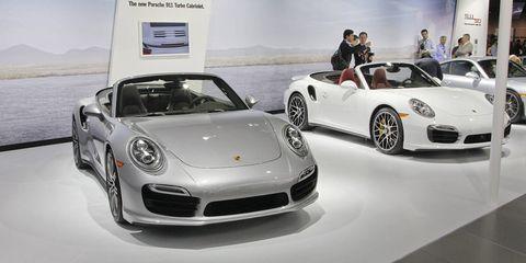 Wheel, Tire, Automotive design, Land vehicle, Vehicle, Car, Performance car, Sports car, Personal luxury car, Alloy wheel,