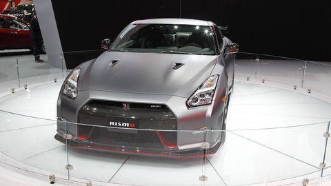 Automotive design, Vehicle, Land vehicle, Automotive lighting, Car, Glass, Headlamp, Bumper, Personal luxury car, Hood,