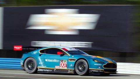 Tire, Wheel, Automotive design, Vehicle, Performance car, Car, Sports car, Rim, Motorsport, Sports car racing,