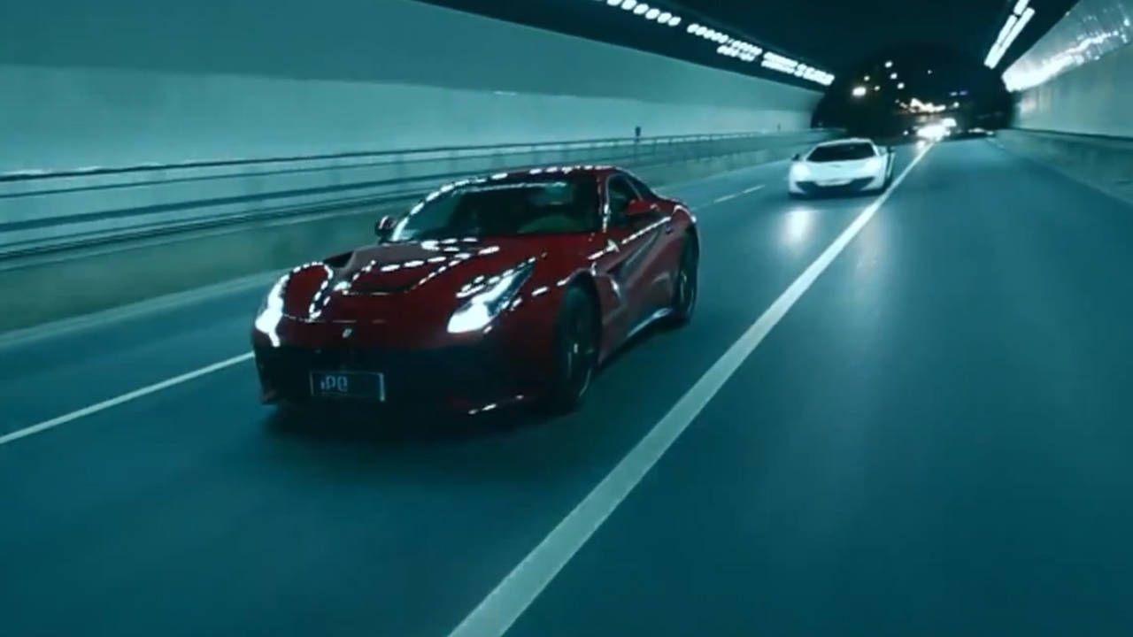 McLaren 12C and Ferrari F12 in a tunnel? Better than coffee.