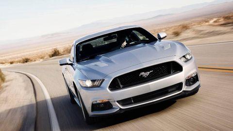 Motor vehicle, Automotive design, Road, Daytime, Vehicle, Hood, Headlamp, Automotive lighting, Grille, Automotive tire,
