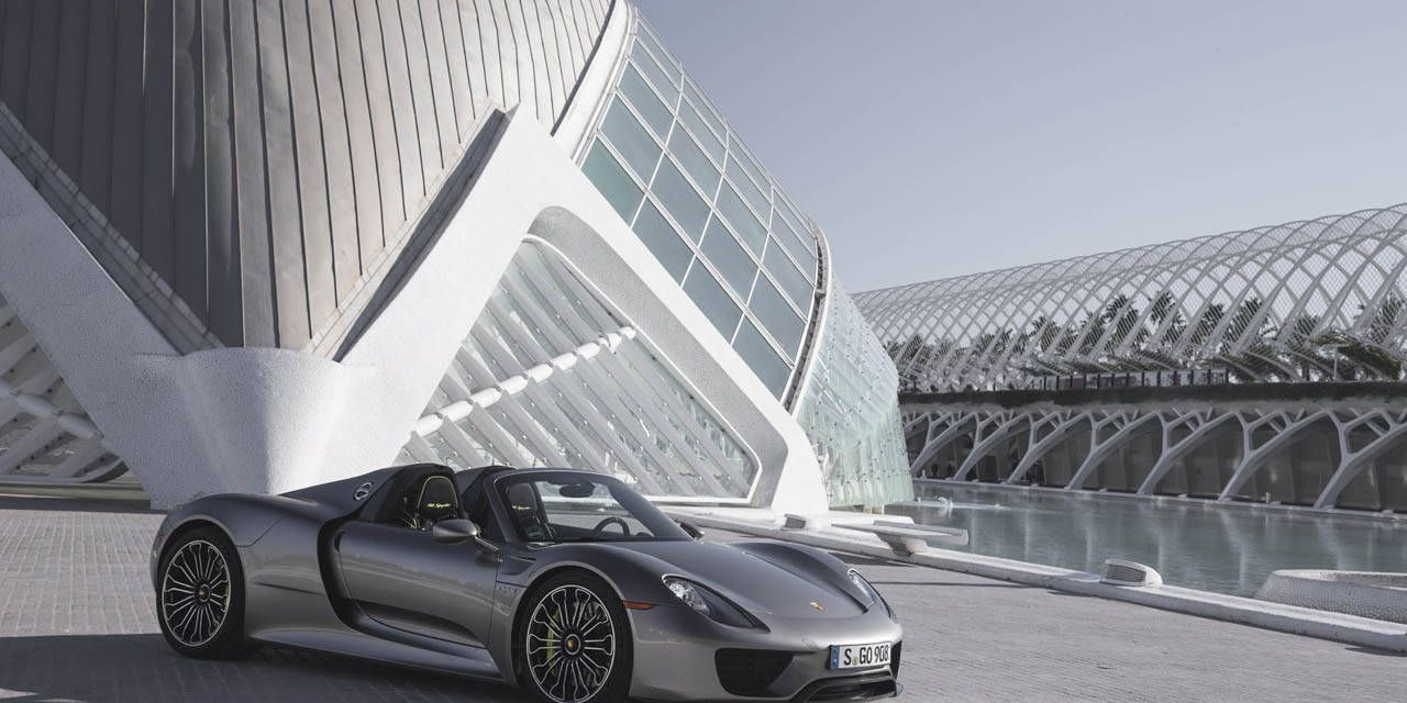 Photos: Porsche 918 Spyder in Liquid Metal Silver