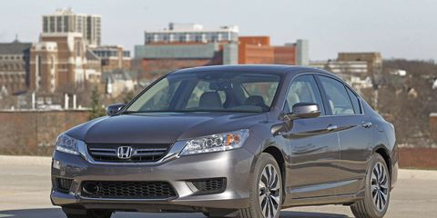 Mode of transport, Daytime, Vehicle, Automotive design, Glass, Automotive mirror, Car, Headlamp, Technology, Grille,