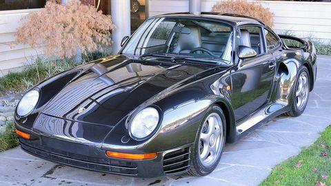 Tire, Mode of transport, Vehicle, Automotive design, Automotive parking light, Land vehicle, Rim, Hood, Headlamp, Car,