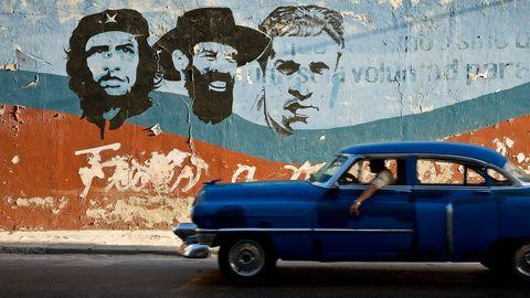 Blue, Vehicle, Wall, Classic car, Graffiti, Car, Paint, Vehicle door, Mural, Street art,