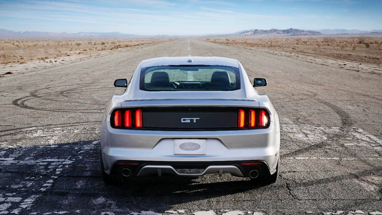 Ford Racing expected to offer drag racers a live axle for new Mustang