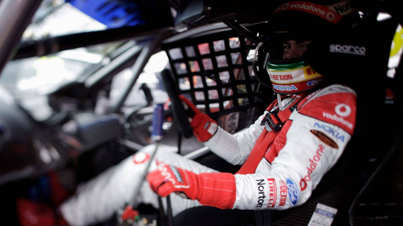 V8 Supercars star Craig Lowndes looks to Ferrari for Le Mans drive