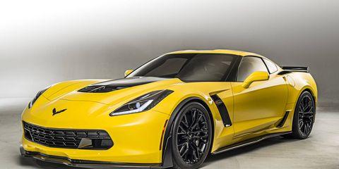 Tire, Automotive design, Vehicle, Yellow, Performance car, Car, Supercar, Rim, Automotive lighting, Hood,
