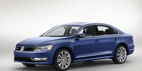 Tire, Automotive design, Product, Vehicle, Land vehicle, Transport, Car, Alloy wheel, Automotive mirror, Glass,