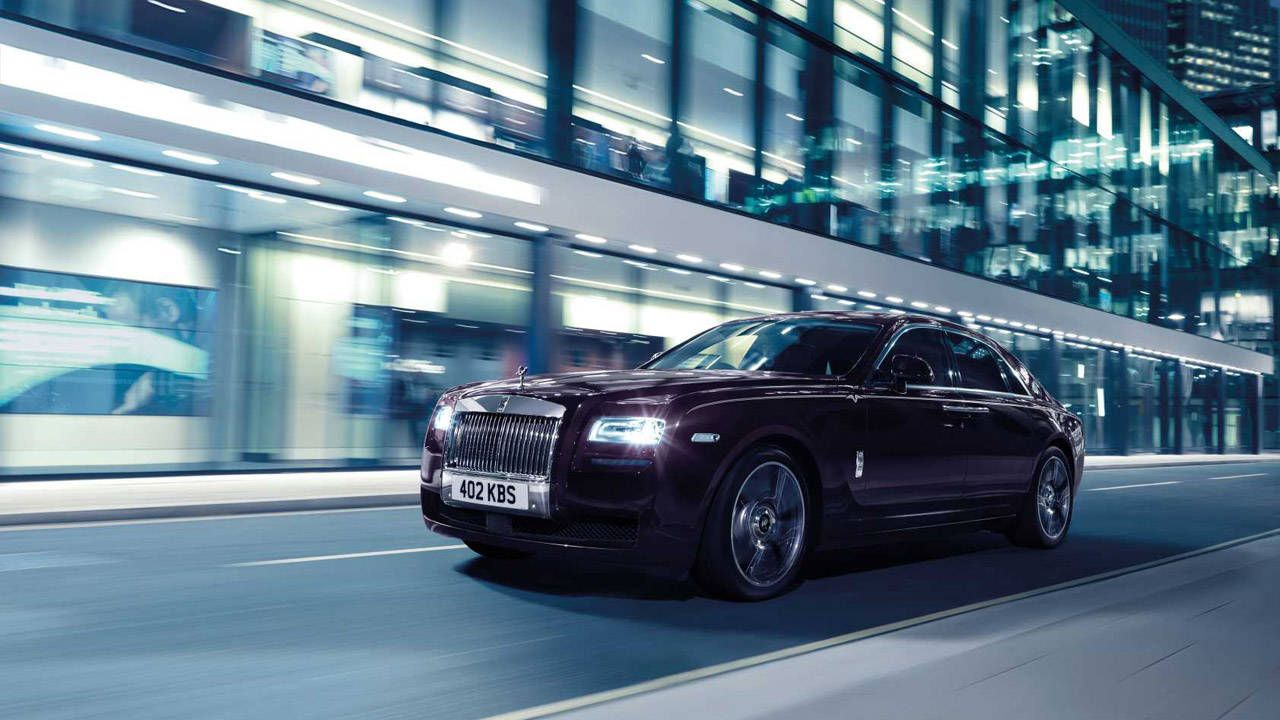 Rolls-Royce launches its new Ghost, the V-Specification