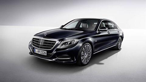 Automotive design, Mode of transport, Vehicle, Grille, Car, Mercedes-benz, Spoke, Rim, Alloy wheel, Automotive lighting,