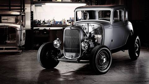 Tire, Motor vehicle, Wheel, Automotive tire, Mode of transport, Automotive design, Vehicle, Automotive exterior, Automotive lighting, Land vehicle,