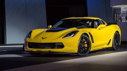 Tire, Automotive design, Yellow, Vehicle, Performance car, Headlamp, Supercar, Car, Automotive lighting, Sports car,