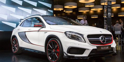 Tire, Wheel, Automotive design, Vehicle, Land vehicle, Car, Grille, Automotive lighting, Mercedes-benz, Personal luxury car,