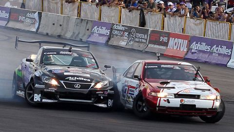 Tire, Wheel, Vehicle, Land vehicle, Motorsport, Car, Racing, Auto racing, Race track, Competition event,