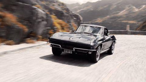 Land vehicle, Vehicle, Car, Muscle car, Automotive design, Sports car, Classic car, Road, Bumper, Coupé,