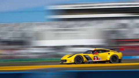 Tire, Wheel, Automotive design, Vehicle, Yellow, Land vehicle, Motorsport, Car, Performance car, Race track,