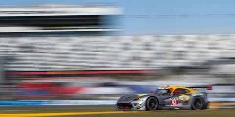 Tire, Wheel, Automotive design, Automotive tire, Race track, Motorsport, Car, Racing, Sports car racing, Automotive wheel system,