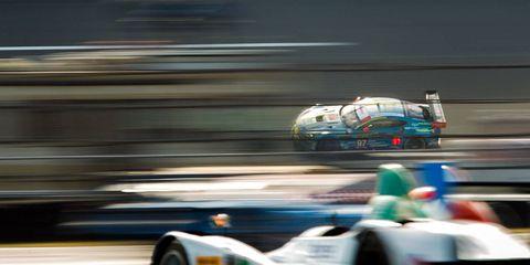 Mode of transport, Automotive design, Transport, Race track, Motorsport, Automotive tire, Racing, Race car, Auto racing, Auto part,