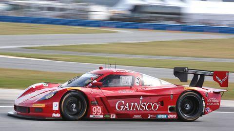 Tire, Wheel, Vehicle, Automotive design, Land vehicle, Motorsport, Sports car racing, Car, Race track, Auto racing,