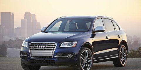 Tire, Wheel, Automotive design, Daytime, Vehicle, Automotive tire, Land vehicle, Headlamp, Automotive lighting, Alloy wheel,