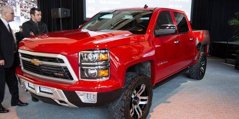 Wheel, Tire, Motor vehicle, Automotive tire, Automotive design, Vehicle, Land vehicle, Rim, Pickup truck, Hood,
