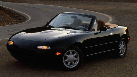 land vehicle, vehicle, car, hood, alloy wheel, automotive design, automotive wheel system, sports car, sedan, coupé,